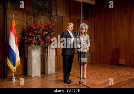Seoul, South Korea. 4th Nov, 2014. Dutch King Willem-Alexander and Queen Maxima during a meeting with the Dutch - Stock Photo