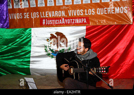 LA PAZ, BOLIVIA, 5th November 2014. A musician performs at an event organised to show solidarity with the 43 missing - Stock Photo