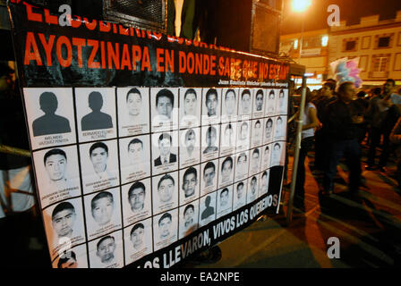 Iguala, Guerrero, Mexico. 5th November, 2014. Students immediately made a call to avoid violence and disclaiming - Stock Photo