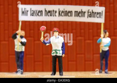 Hamburg, Germany. 06th Nov, 2014. Figures representing striking train drivers at Miniature World in Hamburg, Germany, - Stock Photo