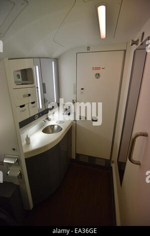 ... A British Airways toilet in the front of the upper deck on an Airbus A  380