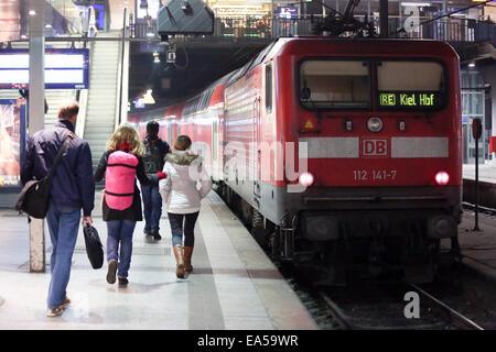 Hamburg, Germany. 06th Nov, 2014. A local train to Kiel at the main station in Hamburg, Germany, 06 November 2014. - Stock Photo
