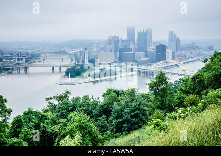 pittsburgh pa skyline on cloudy day - Stock Photo