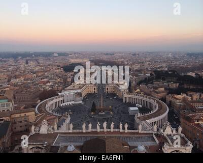 Italy, Rome, Vatican City, View of St. Peter's Square - Stock Photo
