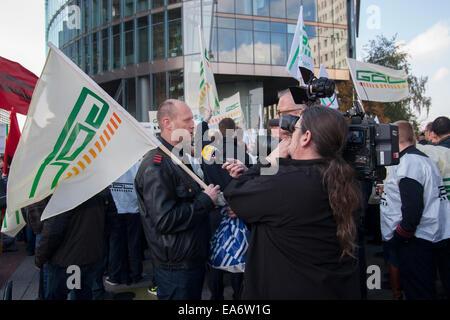 Berlin, Germany. 7th Nov. 2014. Demonstration by german railway union GDL at Potsdamer Platz in Berlin, Germany. - Stock Photo