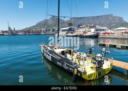 Bruel race team working on the boat in Cape Town, South Africa - Stock Photo
