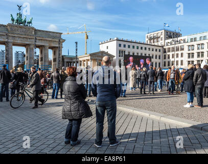 Berlin, Germany, 8th November, 2014. Berlin is celebrating 25 years since the fall of the wall and the peaceful - Stock Photo