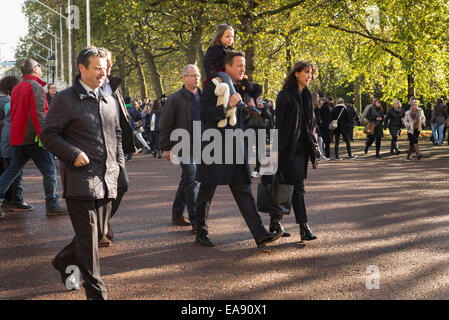 London, UK. 9th Nov, 2014. Prime Minister David Cameron leaves the Remembrance Day service. He was accompanied by - Stock Photo