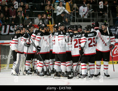 Munich, Bavaria, Germany. 9th Nov, 2014. team Canada after winning the match.Ice Hockey Deutschland Cup, team Canada - Stock Photo