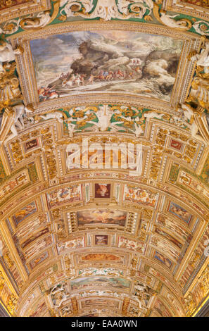 Ceiling of gallery of maps inside vatican museum unesco world stock ceiling of gallery of maps inside vatican museum unesco world heritage site vatican gumiabroncs Images