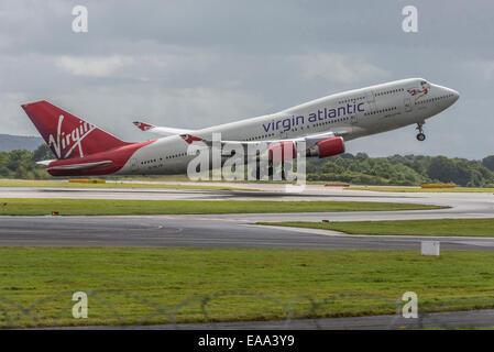Virgin Atlantic Boeing 747-400 Jumbo named Hot Lips - Stock Photo