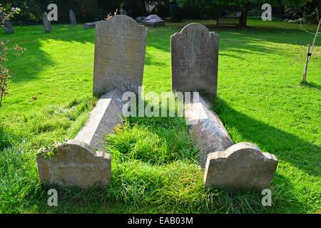 Ancient graves in churchyard, Holy Trinity Parish Church, Church Gate, Cookham, Berkshire, England, United Kingdom - Stock Photo