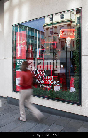 Liverpool, Merseyside, UK 12th November, 2014.  Debenhams Launches 25% off everything Christmas Sales Campaign. - Stock Photo