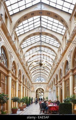 Paris, Galerie Vivienne with restaurants and shops - Stock Photo