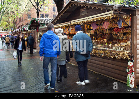 Market traders Manchester UK, 14th November, 2014.  Gingerbread House Confections at the opening Day of Christmas - Stock Photo