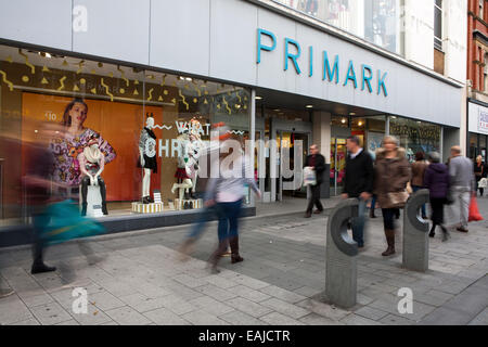 Shops and stores offering discounts and percent off to entice customers in the run up to Christmas, Southport, Merseyside, - Stock Photo