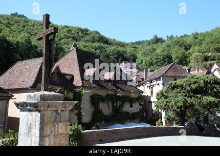 St-Cirq Lapopie a pretty medieval village in the Lot department, Midi-Pyrenees, France - Stock Photo