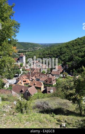 Saint-Cirq Lapopie a pretty medieval village in the Lot department, Midi-Pyrenees, France - Stock Photo