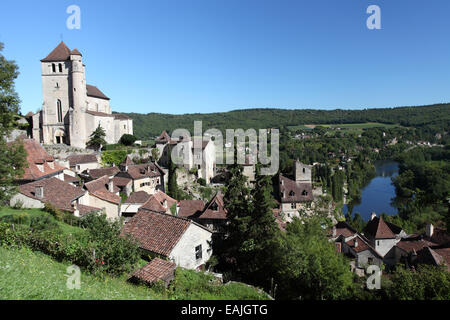 ST Cirq Lapopie a pretty medieval village perched above the Lot river, Midi-Pyrenees - Stock Photo