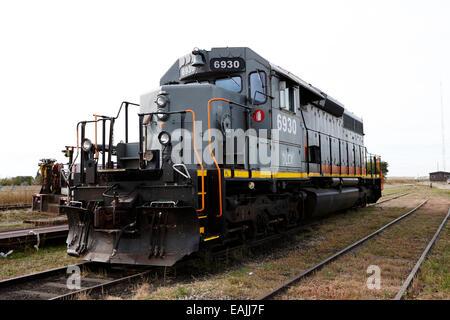 great sandhills railway diesel locomotive 6930 leader Saskatchewan Canada - Stock Photo