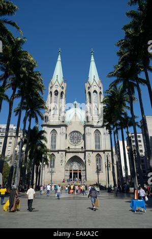 São Paulo See Metropolitan Cathedral, Catedral da Se, on Praca da Se square, Se, São Paulo, São Paulo, Brazil - Stock Photo