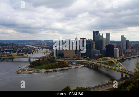 Pittsburgh, Pennsylvania with the confluence of the Ohio, Allegheny and  Monongahela rivers with the Fort Pitt Bridge - Stock Photo