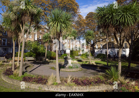 Canonbury Square Gardens, Islington, London, England, UK - Stock Photo