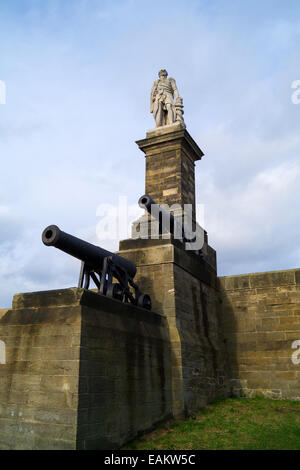 Canon overlooking the mouth of the river Tyne, at Collingwood Monument, Tynemouth, Tyne and Wear, England, UK, Europe - Stock Photo
