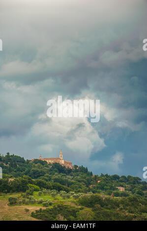 Beautiful Tuscan rural scenery atmosphere in storm - Stock Photo