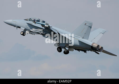 The Boeing F/A-18E Super Hornet and related twin-seat F/A-18F are twin-engine carrier-capable multirole fighter aircraft. US Marine Corps jet plane Stock Photo