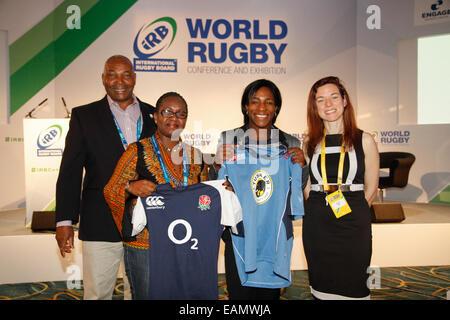 London, UK. 18th November 2014. Mwangi Muthee, Kenya Rugby Union Chairman, Maggie Alphonsi, Saracens and former - Stock Photo