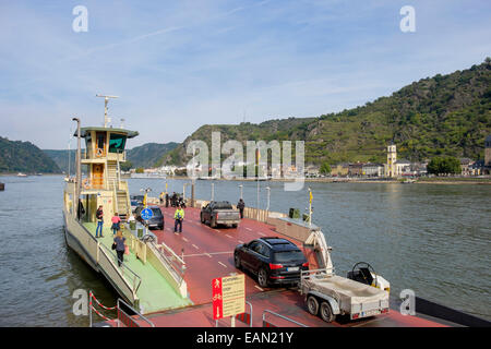 Loreley Ferry loading cars ready to sail across the Rhine river to Sankt Goarshausen from St Goar, Rhineland-Palatinate, - Stock Photo