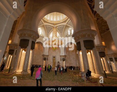 Sheikh Zayed Grand Mosque, Abu Dhabi, United Arab Emirates. Interior of the Main Prayer Hall. - Stock Photo