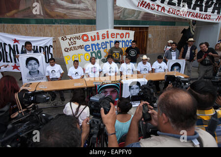 Felipe de la Cruz Sandoval (C), the spokesman for the parents, and parents of the 43 missing students from Ayotzinapa's - Stock Photo