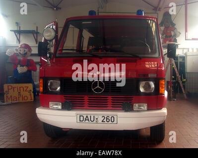 Mercedes 310, Freiwillige Feuerwehr Schalkenmehren, bild 1 - Stock Photo