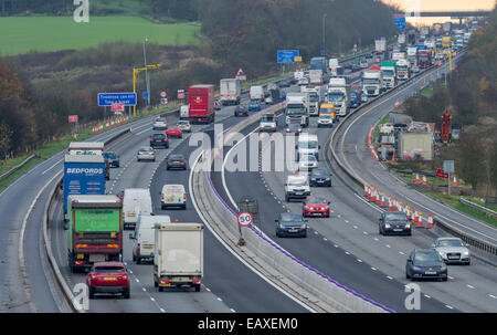 Heavy motorway traffic going through road works on the M1 in Derbyshire junction 28 to 29. - Stock Photo