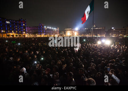 Massive march in support of the 43 missing Ayotzinapa's students in Mexico City - Stock Photo