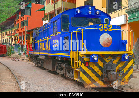 AGUAS CALIENTES; PERU- OCTOBER 17, 2014:  Locomotive stands at the railway station of 'Aguas Calientes',  'Machu - Stock Photo