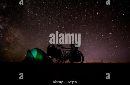 Camping under stars, Gobi desert, Mongolia - Stock Photo