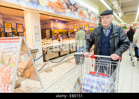 People shopping in the supermarket, Prague, Czech Republic Europe - Stock Photo