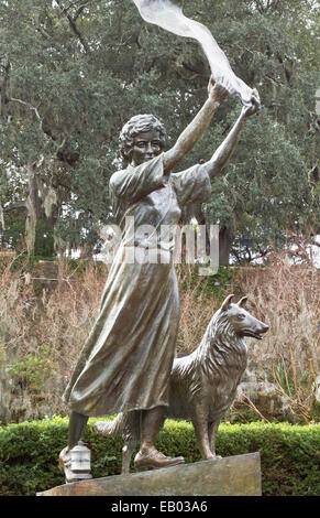 Waving girl statue, Florence Martus, unofficial greeter for all ships entering and leaving the Port of Savannah, - Stock Photo