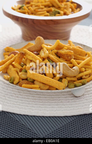 how to make bombay mix noodles