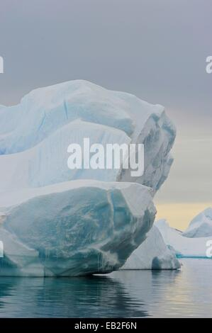 Also known as 'Iceberg Graveyard,' Pleneau Island is a labyrinth of icebergs between the towering mountains of Booth - Stock Photo