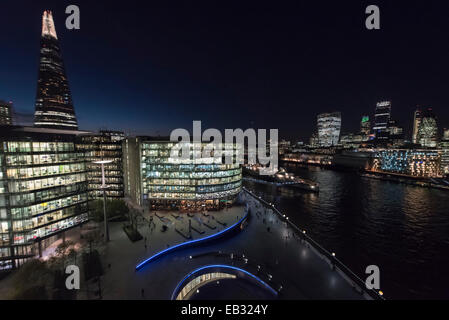 9th Floor, City Hall, London, UK. 24th November 2014. Temperatures will drop dramatically as London experiences - Stock Photo