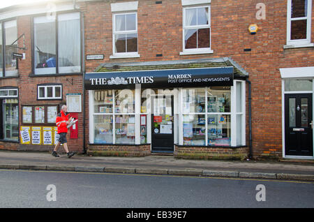 Kent, UK. 25th Nov, 2014. The Natwest Bank Banch in Marden, Kent is closing with effect today, 25 November2014. - Stock Photo