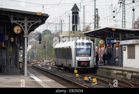 S7 Abellio passenger train, Solingen HBF railway station Germany. - Stock Photo