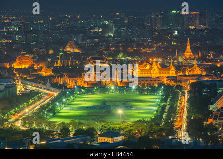 Grand palace at twilight in Bangkok, Thailand - Stock Photo
