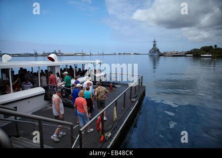 Tourists visiting  USS Arizona memorial, and USS Missouri, Pearl Harbour, Honolulu, Oahu, Hawaii, USA - Stock Photo