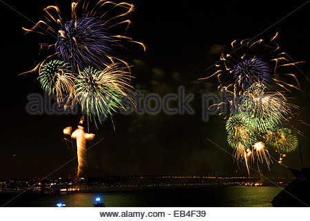 2013 Macy's Fourth of July Fireworks looking north from Chelsea Piers in Manhattan. - Stock Photo
