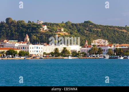 Zakynthos Town, Zakynthos, Ionian Islands, Greece. View across harbour to the waterfront. - Stock Photo